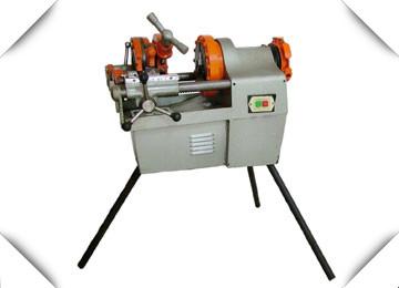 (4)液压动力源:手动液压油泵