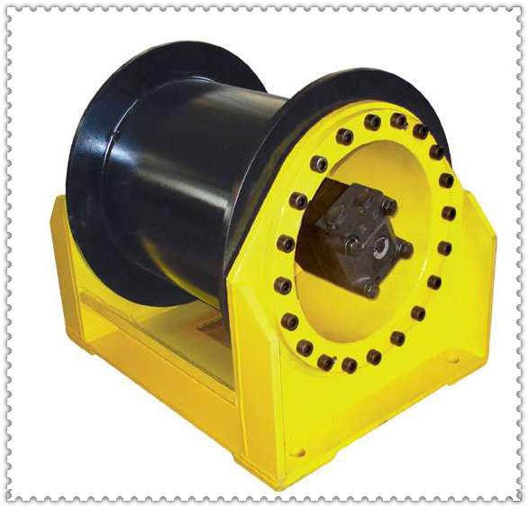 和壳转传动装置等部件都藏于卷扬机的滚筒中,因而轴向尺寸小,结构紧凑