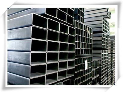 方管常用于各种建筑结构和工程结构,如房梁,桥梁,输电塔,起重运输